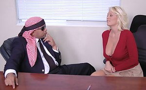 Free Moms Secretary Porn Pictures