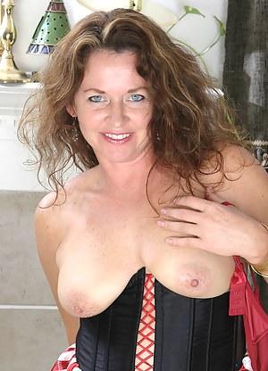 Free Moms Corset Porn Pictures