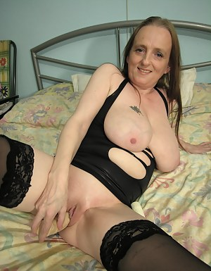 Free Moms Natural Tits Porn Pictures